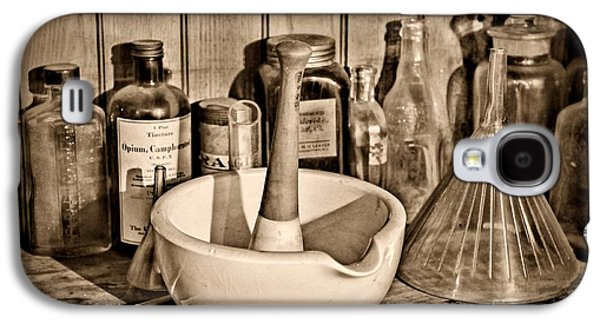 Old Grinders Galaxy S4 Cases - Vintage Mortar and Pestle Galaxy S4 Case by Paul Ward