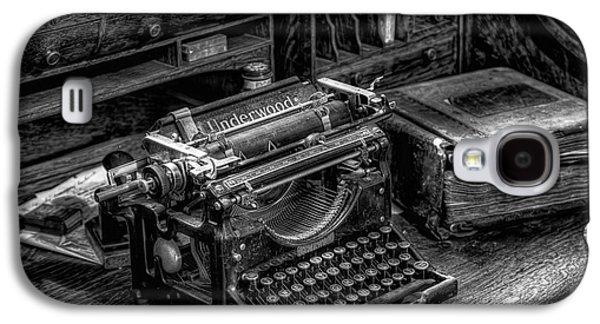 Vintage Typewriter Galaxy S4 Case by Adrian Evans