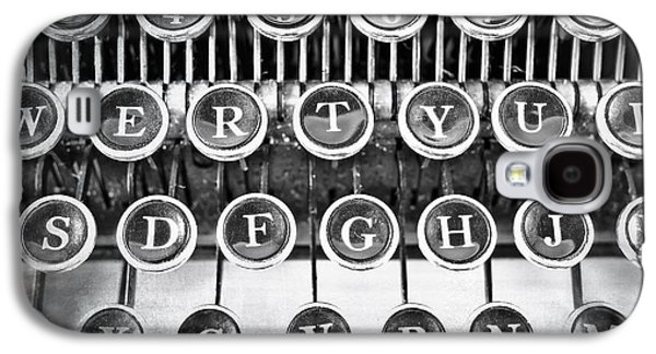Typewriter Keys Photographs Galaxy S4 Cases - Vintage Typewriter Galaxy S4 Case by Edward Fielding