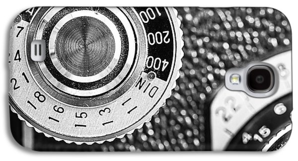 35mm Galaxy S4 Cases - Vintage Yashica 635 Camera - ASA Dial Galaxy S4 Case by Jon Woodhams