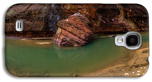 Red Rock Photographs Galaxy S4 Cases - Virgin Bend Galaxy S4 Case by Chad Dutson