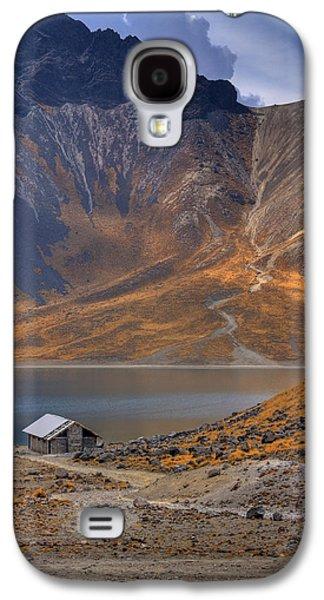 Outdoor Galaxy S4 Cases - Volcano lake Galaxy S4 Case by Genaro Rojas
