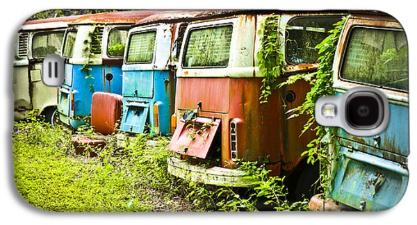 Old Relics Galaxy S4 Cases - VW Buses Galaxy S4 Case by Carolyn Marshall