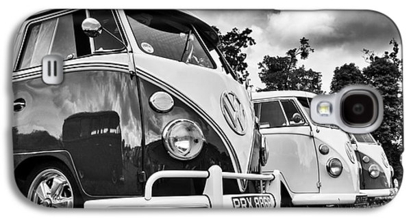 60s Photographs Galaxy S4 Cases - VW Splitties Monochrome Galaxy S4 Case by Tim Gainey