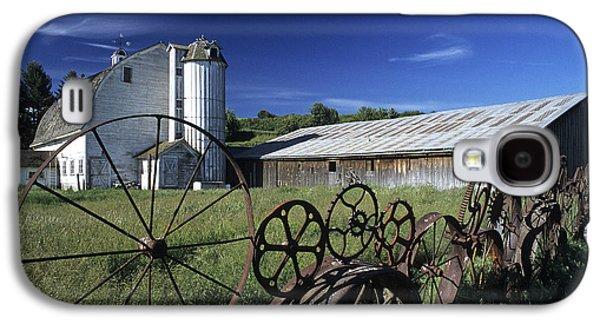 Machinery Galaxy S4 Cases - Wagon Wheel Barn Galaxy S4 Case by Latah Trail Foundation