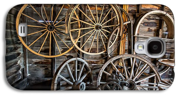 Wooden Wagons Galaxy S4 Cases - Wagon Wheels Galaxy S4 Case by Edward Fielding