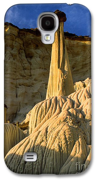 Otherworldly Galaxy S4 Cases - Wahweap Hoodoos at Dawn Galaxy S4 Case by Inge Johnsson