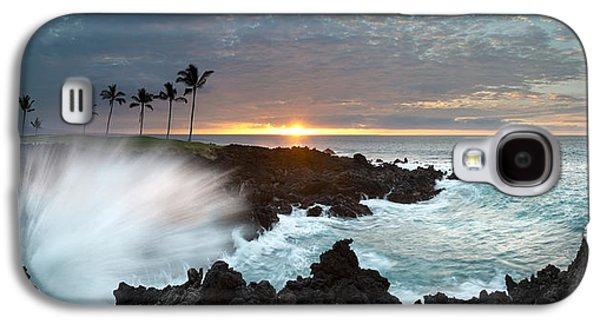 Sunset Framed Prints Galaxy S4 Cases - Waikaola Mana Galaxy S4 Case by Sean Davey