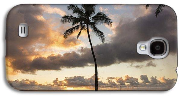 Tidal Photographs Galaxy S4 Cases - Waimea Beach Sunset - Oahu Hawaii Galaxy S4 Case by Brian Harig