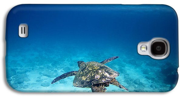 Under Water. Nature Galaxy S4 Cases - Waimea Turtle 11 Galaxy S4 Case by Sean Davey