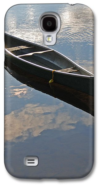 Boats At The Dock Galaxy S4 Cases - Waiting Canoe Galaxy S4 Case by Renee Forth-Fukumoto