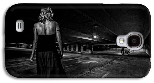 Canon 6d Photographs Galaxy S4 Cases - Walking The Dog Galaxy S4 Case by Bob Orsillo
