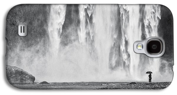 Wet Galaxy S4 Cases - Watcher at the Falls Galaxy S4 Case by Duane Miller