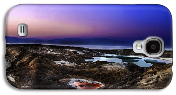 Sink Hole Galaxy S4 Cases - Water pools in sink holes Galaxy S4 Case by Dan Yeger