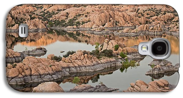 Prescott Photographs Galaxy S4 Cases - Watson Lake Sunset Galaxy S4 Case by Angie Schutt