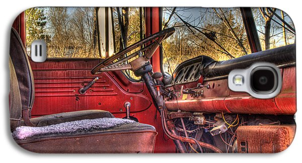 Old Trucks Photographs Galaxy S4 Cases - Weathered and Worn  Galaxy S4 Case by Thomas Young