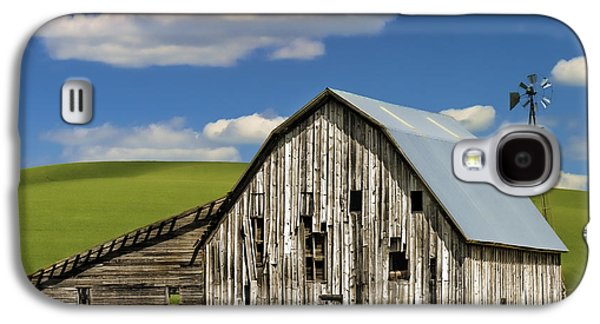 Weathervane Galaxy S4 Cases - Weathered Barn Palouse Galaxy S4 Case by Carol Leigh