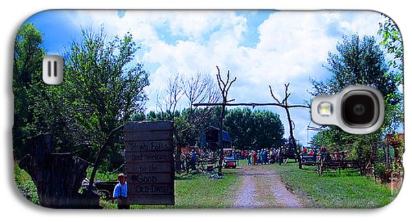 Amish Community Photographs Galaxy S4 Cases - Welcome and Enjoy Galaxy S4 Case by Tina M Wenger