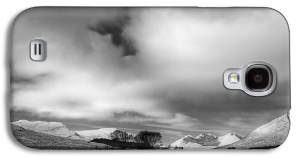 Munroe Galaxy S4 Cases - Wester Ross Winter  Galaxy S4 Case by Derek Beattie