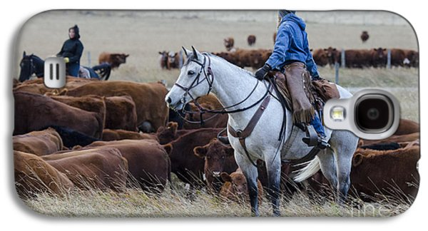 Cattle Drive Photographs Galaxy S4 Cases - Western Living 2 Galaxy S4 Case by Bob Christopher