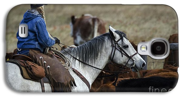 Cattle Drive Photographs Galaxy S4 Cases - Western Living 4 Galaxy S4 Case by Bob Christopher