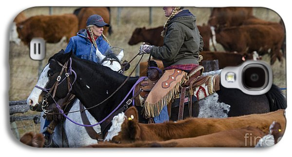 Cattle Drive Photographs Galaxy S4 Cases - Western Living 5 Galaxy S4 Case by Bob Christopher