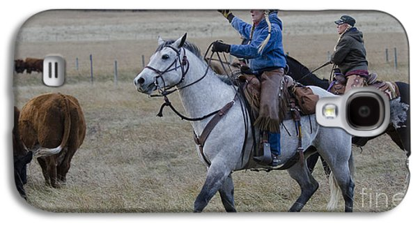Cattle Drive Photographs Galaxy S4 Cases - Western Living 6 Galaxy S4 Case by Bob Christopher