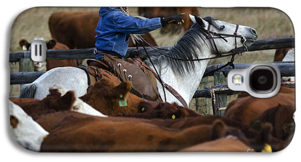 Cattle Drive Photographs Galaxy S4 Cases - Western Living 9 Galaxy S4 Case by Bob Christopher
