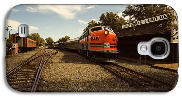 Caboose Photographs Galaxy S4 Cases - Western Pacific 2 Galaxy S4 Case by Cheryl Young