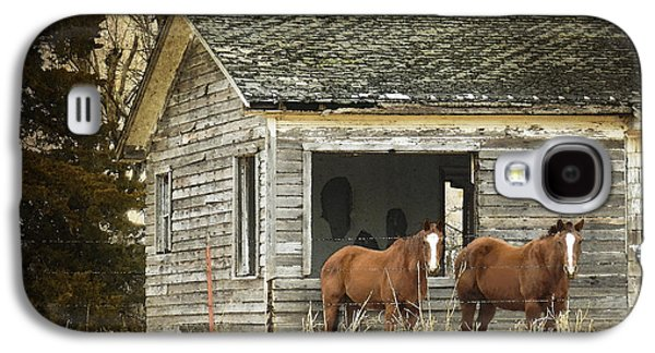 Old House Photographs Galaxy S4 Cases - Where Are the People Galaxy S4 Case by Betty LaRue