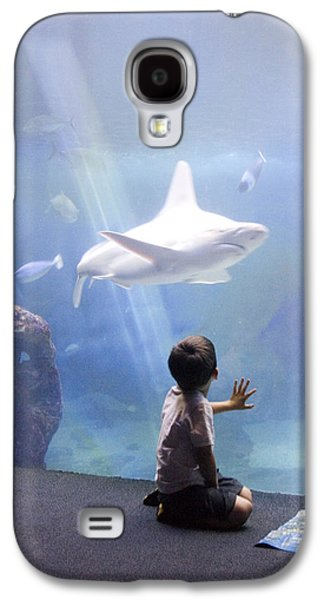 Biology Photographs Galaxy S4 Cases - White Shark and Young Boy Galaxy S4 Case by David Smith
