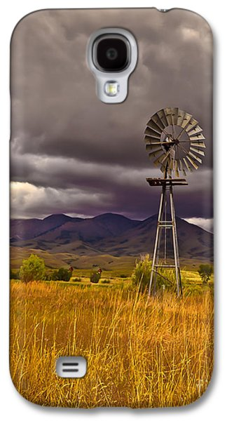 Haybale Photographs Galaxy S4 Cases - Windmill Galaxy S4 Case by Robert Bales
