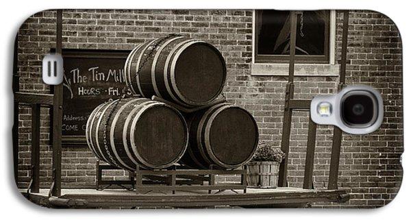 Wine Barrels On Rr Cart Hermann Mo Dsc09285 Galaxy S4 Case by Greg Kluempers