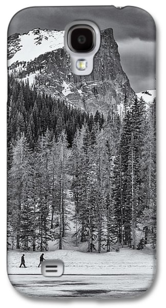 Landscape Acrylic Prints Galaxy S4 Cases - Winter Hike Galaxy S4 Case by Darren  White