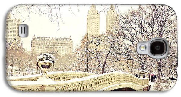 The New York New York Galaxy S4 Cases - Winter - New York City - Central Park Galaxy S4 Case by Vivienne Gucwa