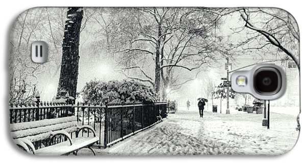 Winter Night - Snow - Madison Square Park - New York City Galaxy S4 Case by Vivienne Gucwa
