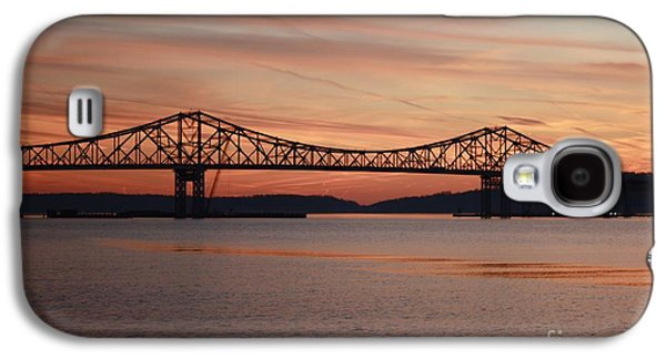 Behind The Scenes Photographs Galaxy S4 Cases - Winter Sky Over Tappan Zee Bridge Galaxy S4 Case by John Telfer