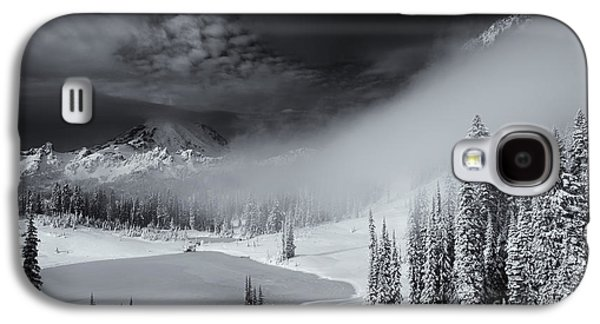 Winter Storm Photographs Galaxy S4 Cases - Winter Storm Clears Galaxy S4 Case by Mike  Dawson
