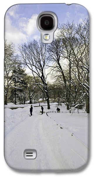 Snowy Day Galaxy S4 Cases - Winter Wonderland In Central Park - New York Galaxy S4 Case by Madeline Ellis