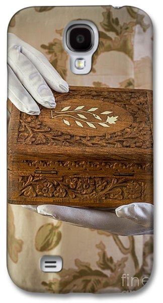 Woman In A Dress Opening A Ornate Box Galaxy S4 Case by Edward Fielding