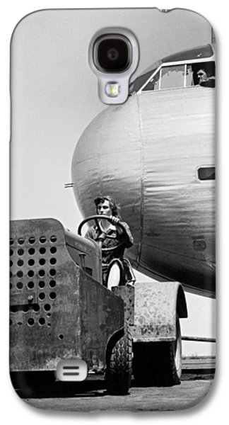 Woman Worker During World War Two Galaxy S4 Case by Underwood Archives