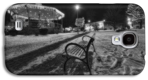Woodstock Square Xmas Eve Nite Galaxy S4 Case by Sven Brogren