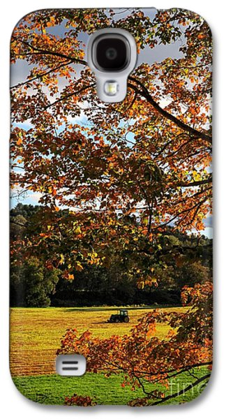 Autumn Foliage Photographs Galaxy S4 Cases - Woodstock Vermont Galaxy S4 Case by Edward Fielding