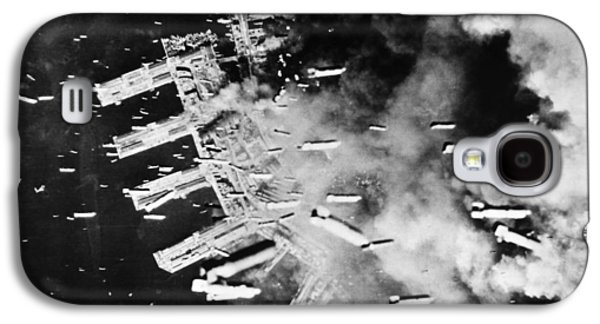 World War II: U.s. Air Raid Galaxy S4 Case by Granger