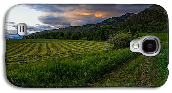 Ranch Photographs Galaxy S4 Cases - Wyoming Pastures Galaxy S4 Case by Chad Dutson