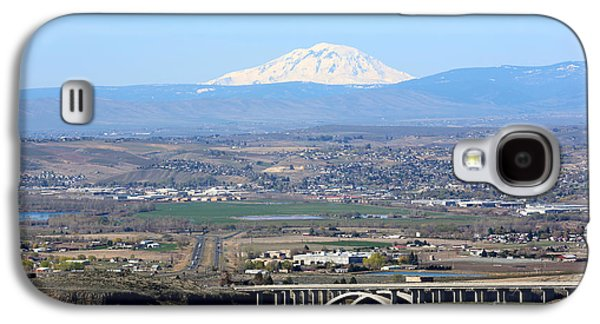 Yakima Valley Galaxy S4 Cases - Yakima Valley Outlook with Mount Adams Galaxy S4 Case by Carol Groenen