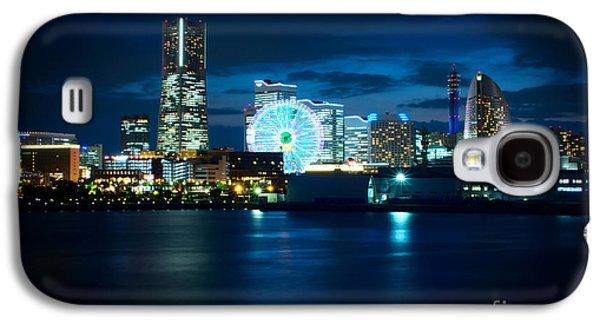 Buildings By The Ocean Galaxy S4 Cases - Yokohama Minatomirai at Night Galaxy S4 Case by Beverly Claire Kaiya