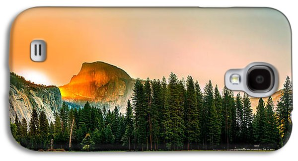United Photographs Galaxy S4 Cases - Sunrise Surprise Galaxy S4 Case by Az Jackson