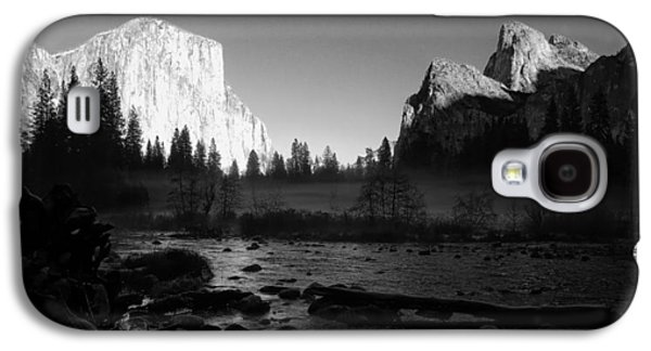 Cathedral Rock Galaxy S4 Cases - Yosemite Valley View Black and White Galaxy S4 Case by Scott McGuire