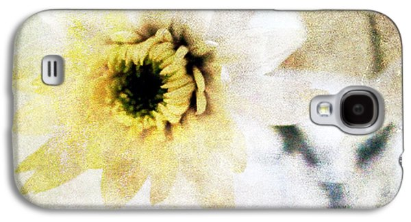 Garden Flowers Galaxy S4 Cases -  White Flower Galaxy S4 Case by Linda Woods